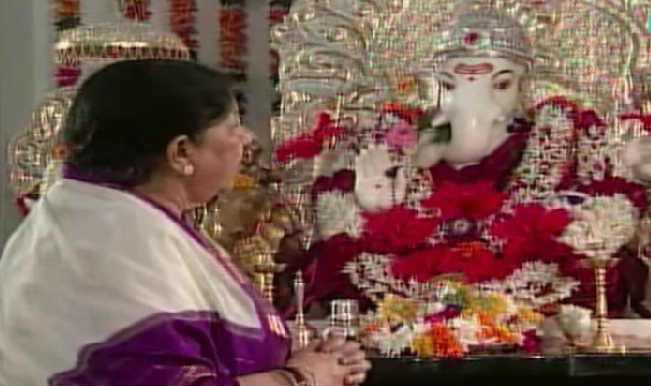 Ganesh Chaturthi Aarti - Tujh Magato Mee Aata – The Nightingale of India arouses spiritual aura