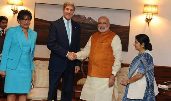 John Kerry meets Narendra Modi in prelude to Washington summit in September