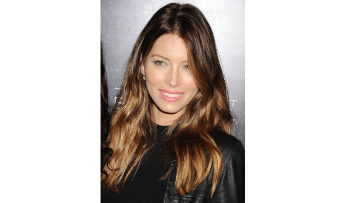 3 pro tips and 5 styles for the perfect dark haired highlights if youre a firm believer in the natural look balayge is the way to go the colorist paints light color in places where the sun would hit your hair to give pmusecretfo Image collections