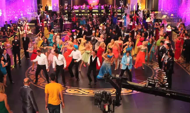 Shahrukh Khan, Deepika Padukone starrer Happy New Year releases the making of Indiawaale