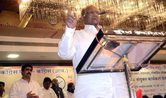NCP-chief-Sharad-Pawar-during-an-election-campaign-in-Mumbai-07