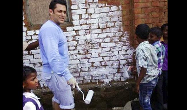 Salman Khan paints village in Karjat