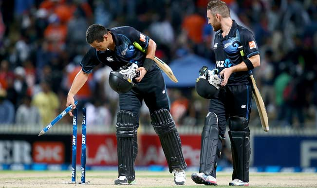 Ross-Taylor-of-New-Zealand-(L)-and-Brendon-McCullum-(R)-leave-the-field-following-gam
