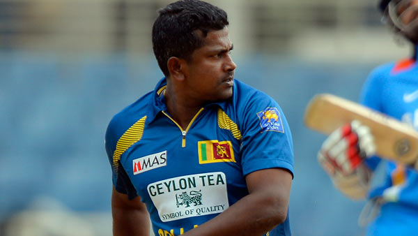 Sri-Lanka-Rangana-Herath-celebrates-wicket-of-India-Shikhar-Dhawan