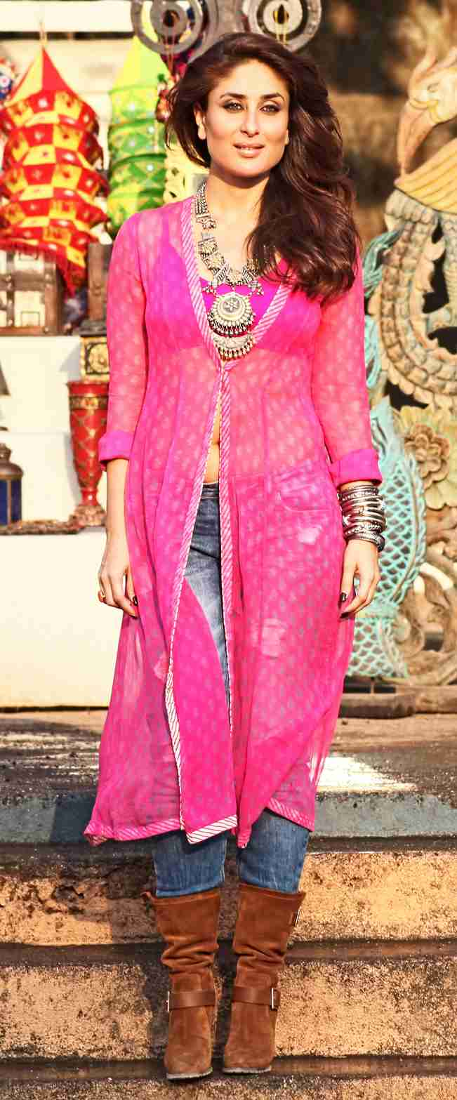 gabbar is back: kareena kapoor looks hot in her fusion outfit for