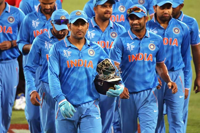 MS-Dhoni-of-India-leads-the-team-off-the-field
