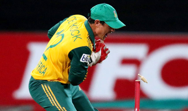 Quinton-de-Kock-of-South-Africa-dismisses-George-Bailey-of-Australia-during-the-2nd-T20