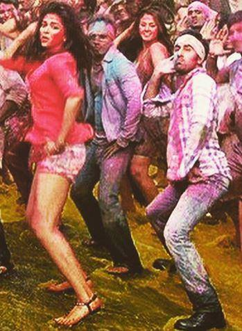 Deepika Padukone and Ranbir Kapoor in Balam Pichkari