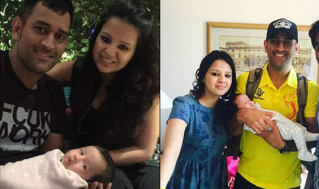 MS Dhoni poses with wife Sakshi and daughter Ziva: Cute ...