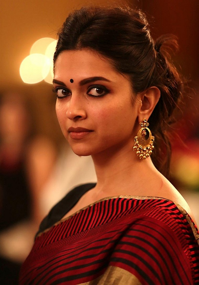 The traditional look of Deepika Padukone in Piku