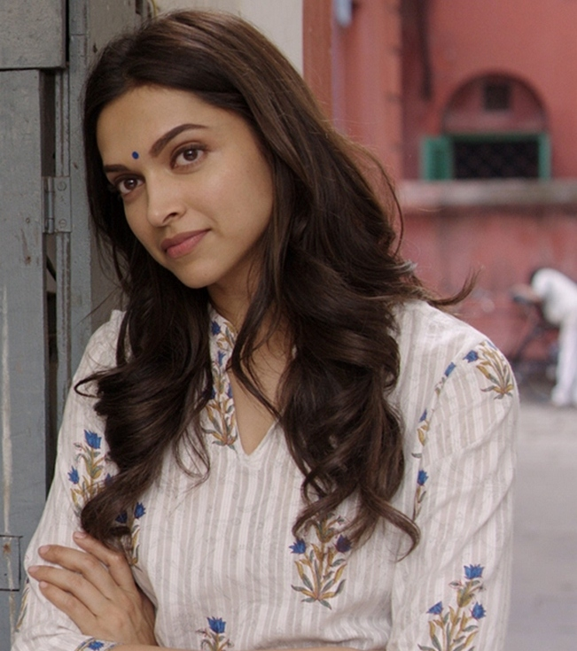 The kurta-clad girl-next-door look of Deepika Padukone in Piku