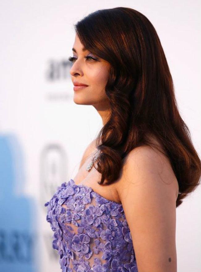 Cannes 2015: Aishwarya Rai stuns yet again in a lavender