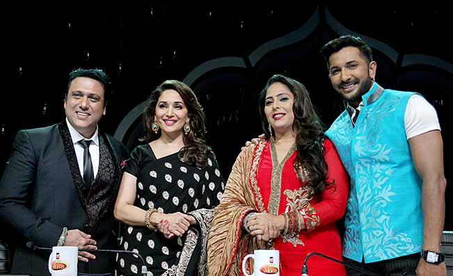 gocvinda-madhuri-dixit-geeta-kapur-and-terence-on-the-sets-of-did-super-moms