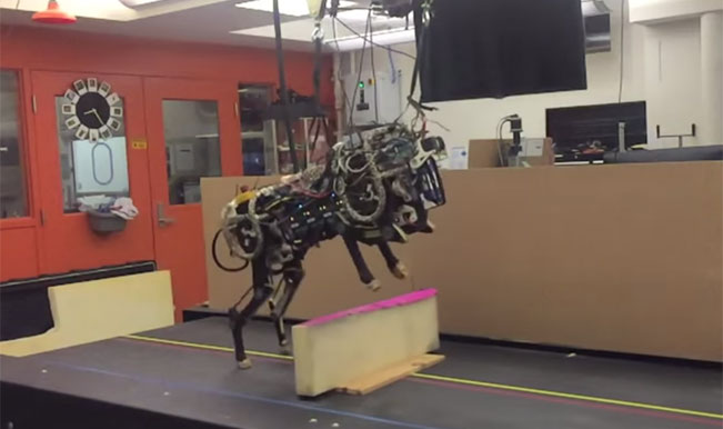 MIT Cheetah Robot performs running jump over hurdles – Watch Video