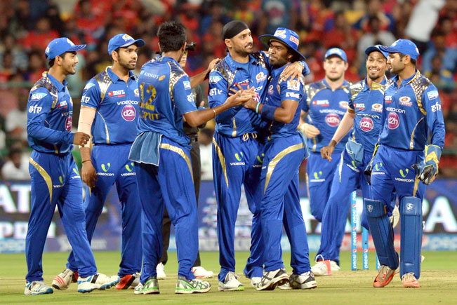 Mumbai-Indians-celebrate-fall-of-a-wicket-8