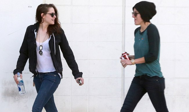 Kristen Stewart turns lesbian: Mom okays relationship with personal assistant Alicia Cargile