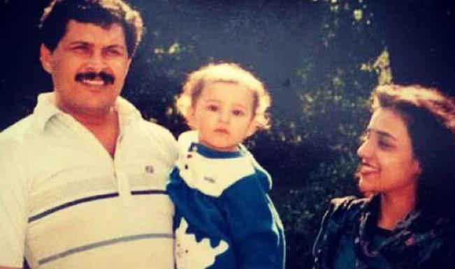 Childhood photos of parineeti chopra and priyanka chopra