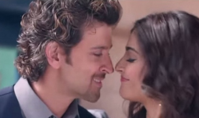 Exclusive: Hot Hrithik Roshan and Sonam Kapoor in Dheere ...