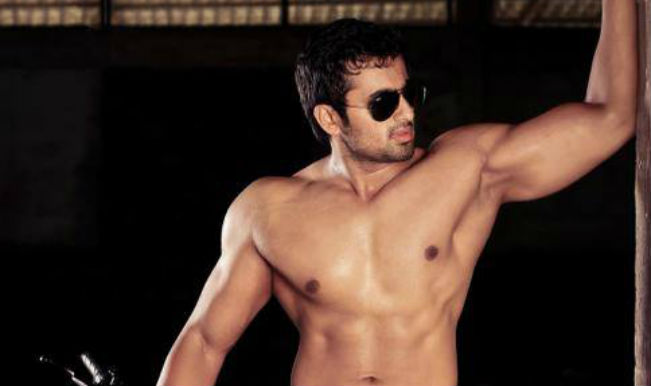 Shirtless Male Celebs Archives  Male Celebs Blog