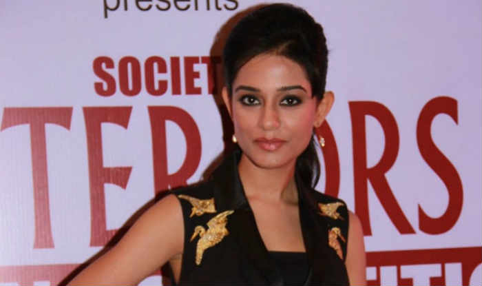 Glad that TV is promoting traditional Indian outfits: Amrita Rao