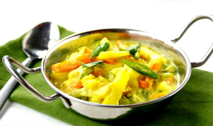 Onam feast 2015 top 14 sumptuous onam sadya food you need for Avial indian cuisine