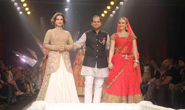IIJW 2015: Preity Zinta, Dia Mirza look resplendent on the ramp! (Video)
