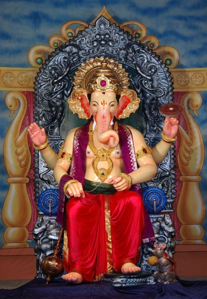View the magnificent lalbaugcha raja in pictures from 1934 to 2015 lalbaugcha raja thecheapjerseys Choice Image