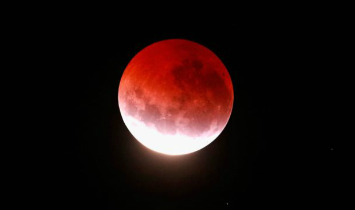 giant red moon tonight - photo #29