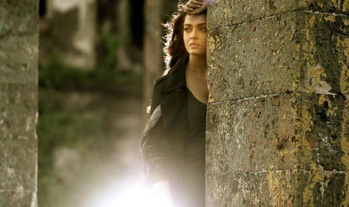 Jazbaa full song Bandeyaa: Stunning Aishwarya Rai Bachchan in awesome number (Watch video)