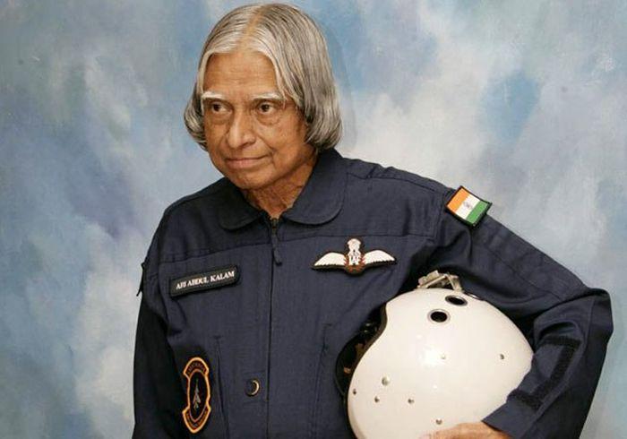 Dr. APJ Abdul Kalam Most Rare Pic while Operating Computer