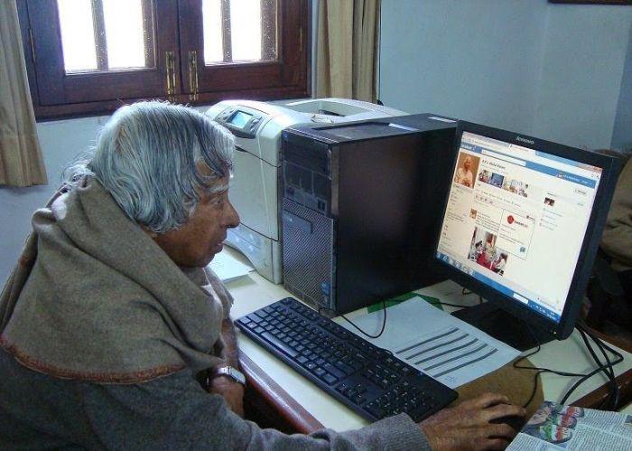 Image Credit: officialkalam.com,Dr. APJ Abdul Kalam Most Rare Pic while Operating Computer