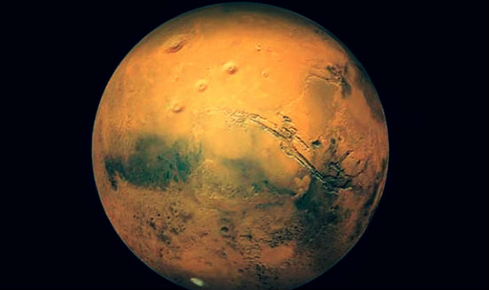 NASA prepares real Martians to land and stand on Red ...