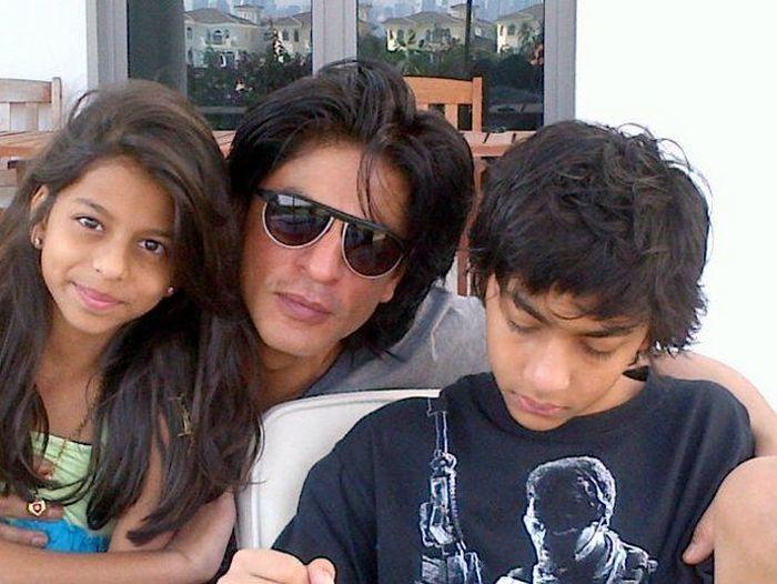SRK with kids