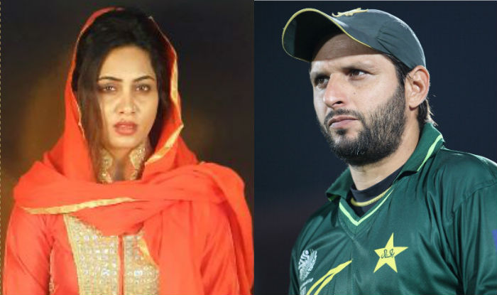Arshi Khan maintains Shahid Afridi is her love, questions