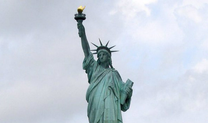 the history and importance of the statue of liberty The new colossus is a sonnet that american poet emma lazarus the poem and its importance to the statue of liberty's symbolism and thus the effect on american.