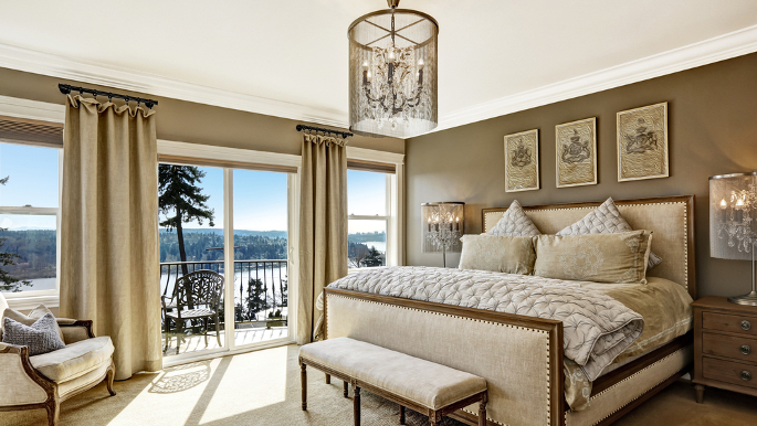 5 simple ways to turn your bedroom into a five star retreat for Decor your hotel