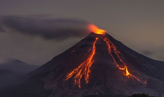 how to volcanic eruption create a mountain