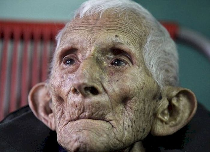 this old man died all alone at 86 in an old age home but what he