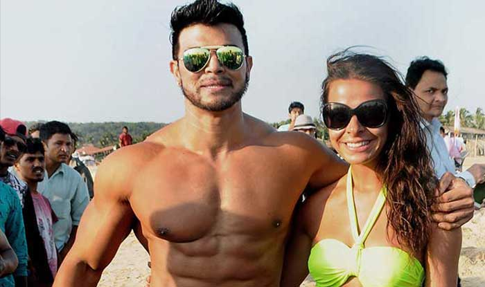 Sahil Khan Body Photo: Sahil Khan Shows Off His Hot Bod With Sexy Gals! (View
