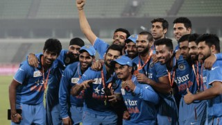 Watch Team India's jolly bus ride post Asia Cup win