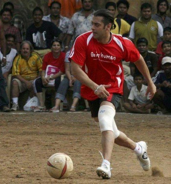 salman khan plays football