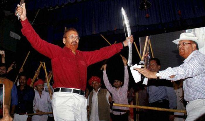 Gujarat Ex Ips Officer Dg Vanzara S Funny Sword Dance After Getting Bail Goes Viral Watch