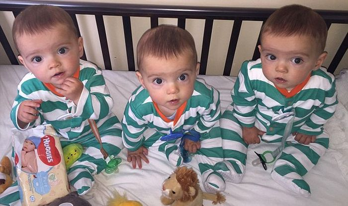 Aww These Cute Identical Triplets Are One In 200 Million