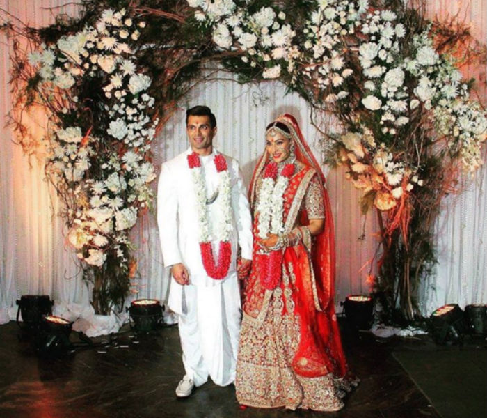 Karan singh grover and shraddha wedding dresses