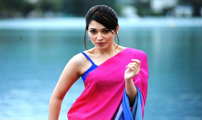 In Saree Tamanna In Himmatwala: Baahubali Actress Tamannaah Bhatia Sleep With Makeup