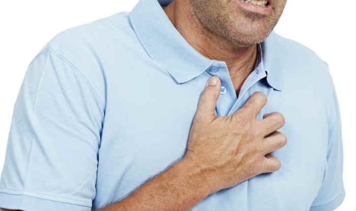 8 علامات من أعراض مرض القلب للرجال - أونيلا