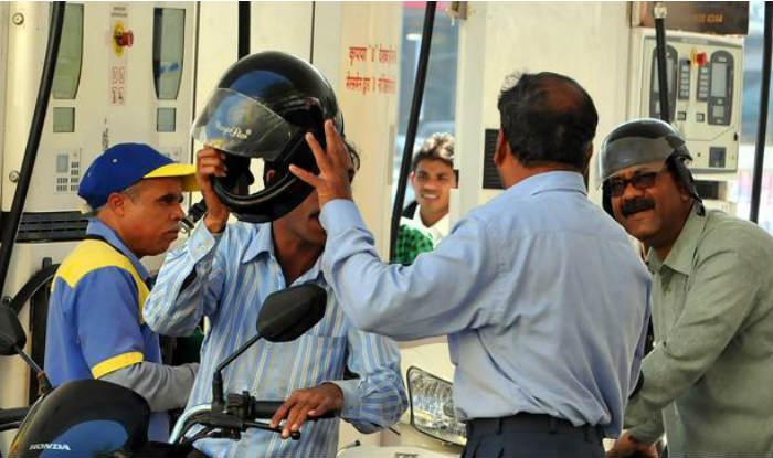 From June 1, no Fuel Sans Helmet in Noida, Greater Noida