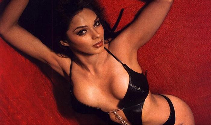 Mallika sherawat naked photo