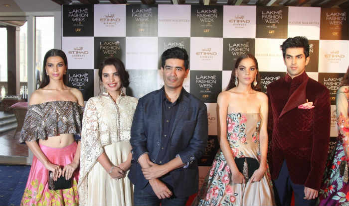 Manish Malhotra Lakme Fashion Week 2016 Goes Digital This Season India Com