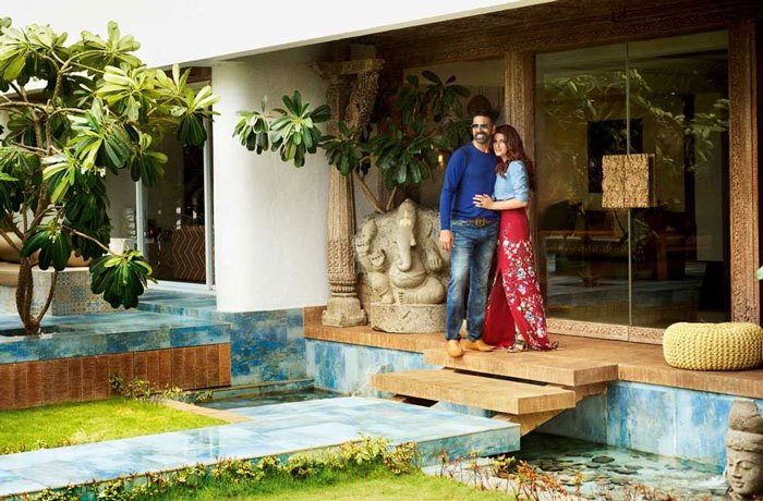 Home Pics wow: rustom star akshay kumar and twinkle khanna's home is simply